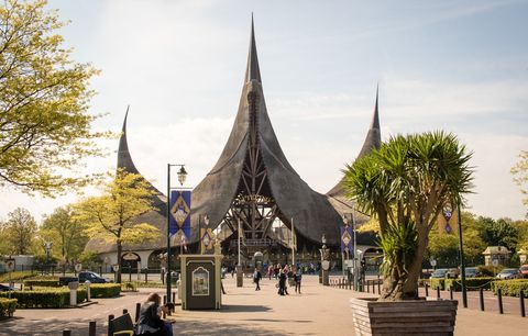 Spire, Architecture, Landmark, Steeple, Sky, Building, Tree, Place of worship, Tourism, City,