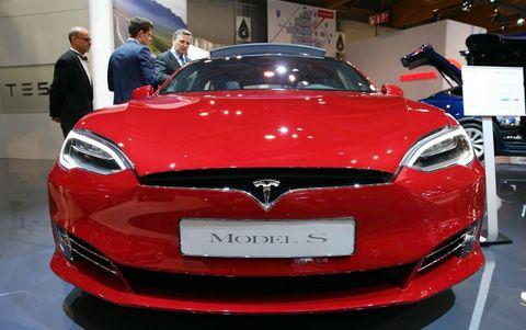 Land vehicle, Vehicle, Car, Motor vehicle, Auto show, Automotive design, Mid-size car, Tesla model s, Performance car, Hood,
