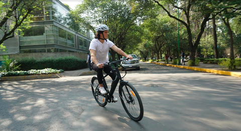 Land vehicle, Cycling, Bicycle, Vehicle, Cycle sport, Road cycling, Bicycle frame, Bicycle accessory, Bicycles--Equipment and supplies, Outdoor recreation,