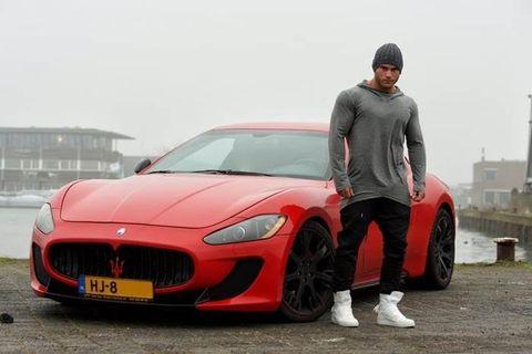 Automotive design, Vehicle, Performance car, Hood, Red, Car, Automotive tire, Fender, Sports car, Maserati,
