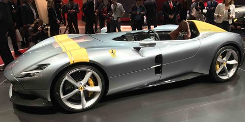 Land vehicle, Vehicle, Car, Supercar, Sports car, Automotive design, Auto show, Performance car, Race car, Coupé,