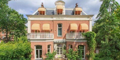 Building, Property, House, Home, Estate, Real estate, Mansion, Architecture, Villa, Facade,