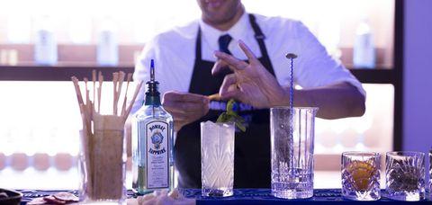 Fluid, Finger, Product, Drinkware, Bottle, Glass, Liquid, Barware, Glass bottle, Alcohol,