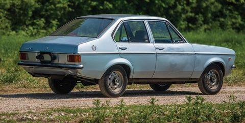Land vehicle, Vehicle, Car, Classic car, Sedan, Automotive wheel system, Rim, Coupé, Hatchback, Compact car,
