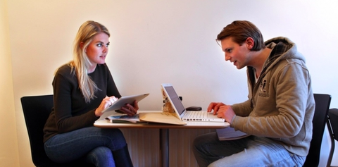 Conversation, Sitting, Learning, Job, Employment, Technology, White-collar worker, Electronic device, Business, Leisure,