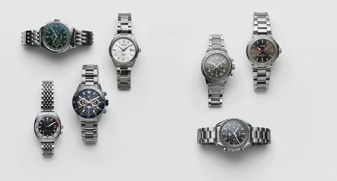 Watch, Fashion accessory, Jewellery, Metal, Watch accessory, Ring, Silver, Diamond, Analog watch, Gemstone,