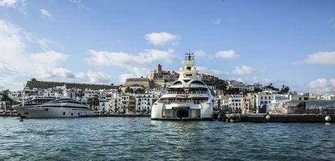 Water transportation, Luxury yacht, Boat, Yacht, Marina, Vehicle, Ferry, Waterway, Harbor, Ship,