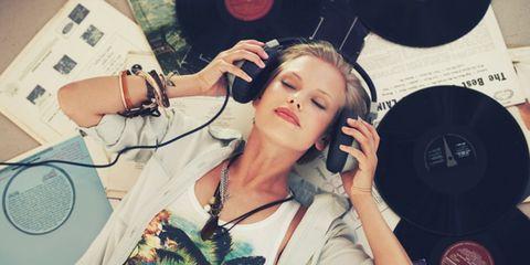 Beauty, Audio equipment, Music artist, Lip, Nose, Singing, Cool, Singer, Eye, Headphones,