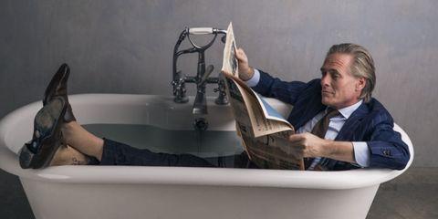 Bathtub, Plumbing fixture, Leg, Room, Plumbing, Comfort, Reading,