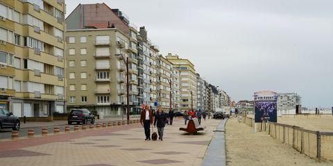 Town, City, Architecture, Human settlement, Urban area, Street, Building, Neighbourhood, Walkway, Residential area,