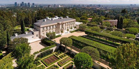 Building, Estate, Bird's-eye view, Property, Aerial photography, Residential area, Mansion, Urban design, Metropolitan area, Architecture,