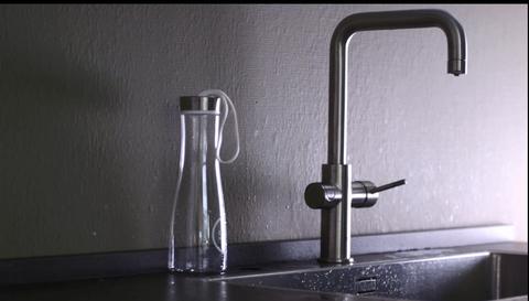 Tap, Water, Plumbing fixture, Still life photography, Plumbing, Sink, Glass,