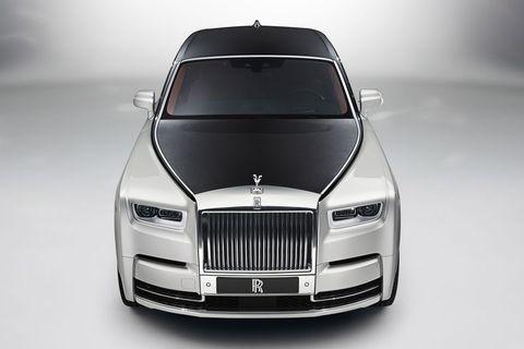 Automotive design, Product, Grille, Automotive exterior, Hood, Car, Personal luxury car, Luxury vehicle, Vehicle door, Bumper,