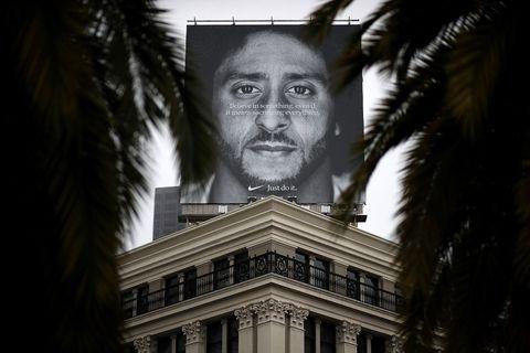 Face, Head, Eye, Monochrome, Black-and-white, Architecture, Organ, Photography, Tree, Portrait,