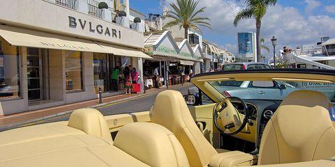 Vehicle, Car, Luxury vehicle, Automotive design, Classic, Mid-size car, Family car, Subcompact car, Vintage car, City car,