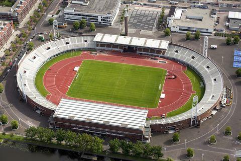 Stadium, Sport venue, Arena, Bird's-eye view, Soccer-specific stadium, Landscape, Amphitheatre, Grass, Architecture, Aerial photography,