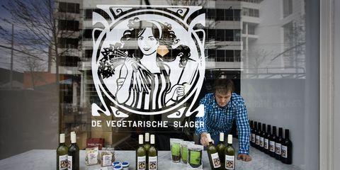 Street art, Art, Distilled beverage, Drink, Bartender, Alcohol, Graphics, Beer, Mural,
