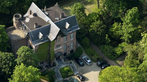 Aerial photography, Property, Estate, Mansion, House, Building, Residential area, Home, Architecture, Real estate,