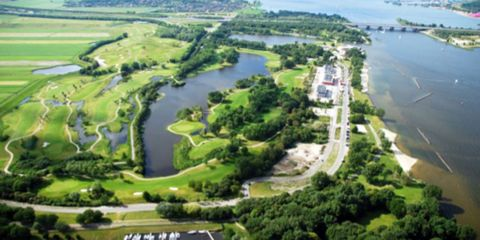 Body of water, Nature, Vegetation, Natural landscape, Water resources, Landscape, Plain, Bird's-eye view, Residential area, Aerial photography,