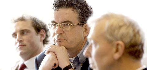 Businessperson, Glasses, White-collar worker, Gesture,