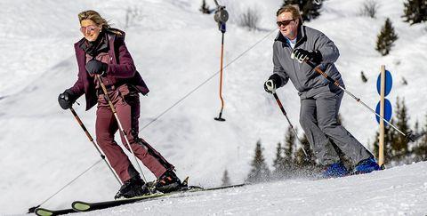 Skier, Ski, Snow, Skiing, Ski binding, Ski boot, Ski Equipment, Ski pole, Alpine skiing, Winter sport,