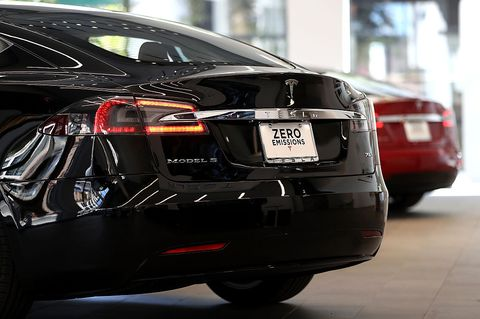 Land vehicle, Vehicle, Car, Automotive design, Tesla model s, Tesla, Luxury vehicle, Mid-size car, Automotive exterior, Sedan,