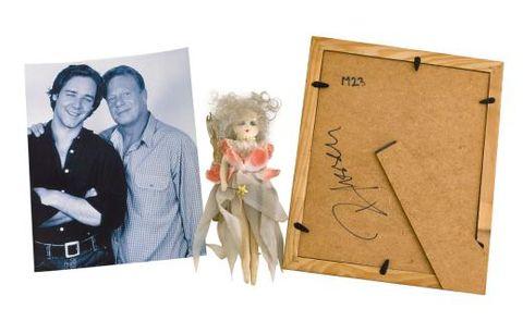 Picture frame, Art, Room, Paper, Illustration,