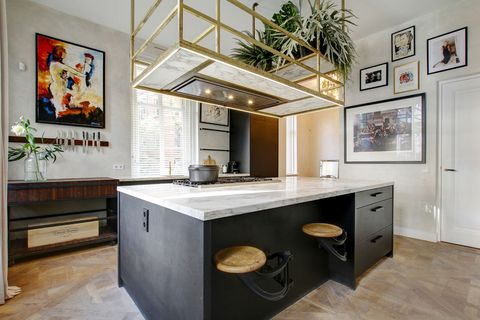 Room, Furniture, Property, Interior design, Kitchen, Countertop, Building, Cabinetry, House, Ceiling,