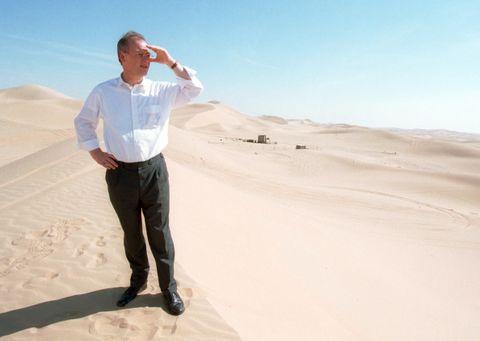 Desert, Sand, Natural environment, Aeolian landform, Erg, Sahara, Dune, Landscape, Sky, Standing,