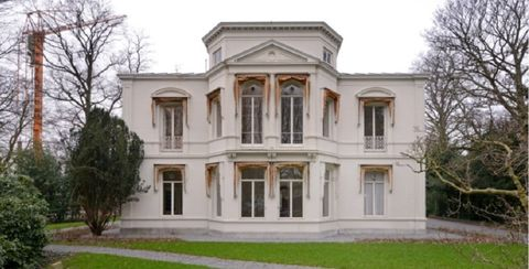 Building, House, Home, Property, Estate, Mansion, Classical architecture, Architecture, Manor house, Real estate,
