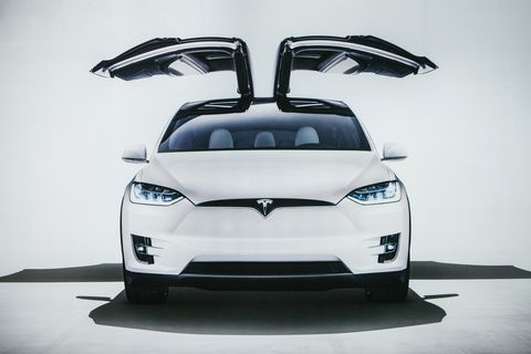 Automotive design, Vehicle, White, Car, Motor vehicle, Automotive lighting, Headlamp, Automotive exterior, Mid-size car, Bumper,