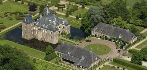 Aerial photography, Bird's-eye view, Estate, Building, Architecture, Landscape, Château, Mansion, Photography, Land lot,