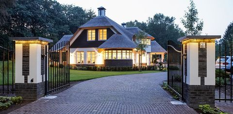 Home, Property, House, Building, Real estate, Estate, Residential area, Driveway, Gate, Cottage,