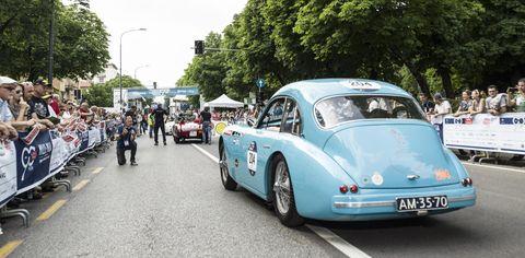 Land vehicle, Vehicle, Car, Classic car, Coupé, Antique car, Vintage car, Classic, Sedan, Sports car,