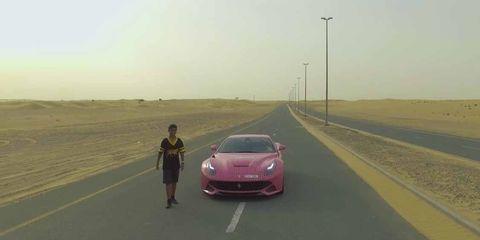 Verwende Rich Kid Krijgt Ferrari Van 25 Ton Waar Hij Niet
