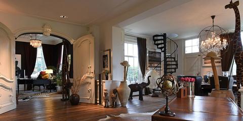 Living room, Room, Property, Interior design, Building, Furniture, Ceiling, Lobby, House, Estate,