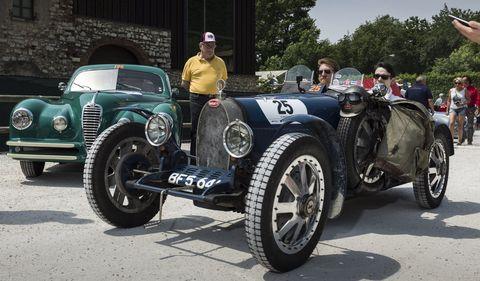 Land vehicle, Vehicle, Car, Vintage car, Antique car, Classic car, Classic, Bugatti, Sports car, Coupé,