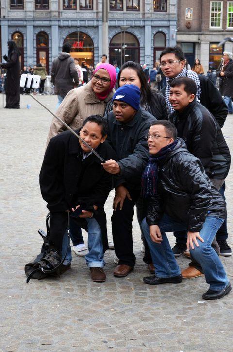 Clothing, Footwear, Jacket, Trousers, Jeans, Denim, Outerwear, Coat, Winter, Street fashion,