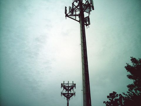 Sky, Atmosphere, Electricity, Pole, Iron, Electrical supply, Public utility,