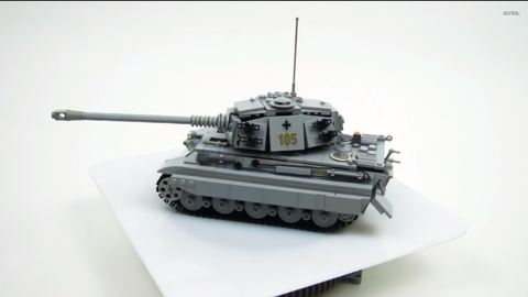 Tank, Combat vehicle, Military vehicle, Toy, Scale model, Self-propelled artillery, Toy vehicle, Grey, Gun turret, Machine,