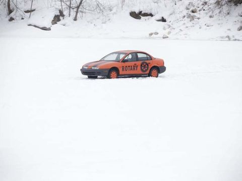 Winter, Vehicle, Freezing, Automotive parking light, Car, Snow, Mid-size car, Ice racing, Motorsport, Full-size car,