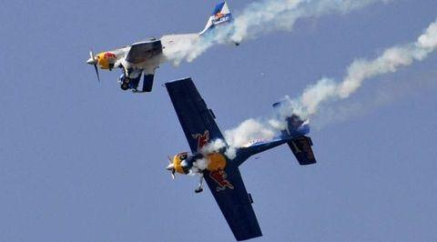 Airplane, Aircraft, Mode of transport, Sky, Daytime, Flight, Aviation, Air travel, Wing, Aerospace engineering,