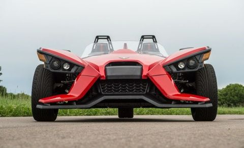 what it 39 s like to drive the wild three wheeled polaris slingshot. Black Bedroom Furniture Sets. Home Design Ideas