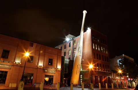 Night, Lighting, Window, Town, Street light, City, Mixed-use, Electricity, Facade, Metropolitan area,