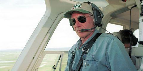 Eyewear, Vision care, Goggles, Cap, Aviation, Pilot, Aerospace engineering, Jaw, Aircraft, Sunglasses,