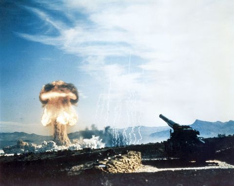 Pollution, Self-propelled artillery, Explosion, Combat vehicle, Smoke, Gun turret, Painting, Military vehicle,