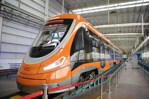 Mode of transport, Transport, Railway, Architecture, Train station, Rolling stock, Glass, Windscreen wiper, Public transport, Headlamp,