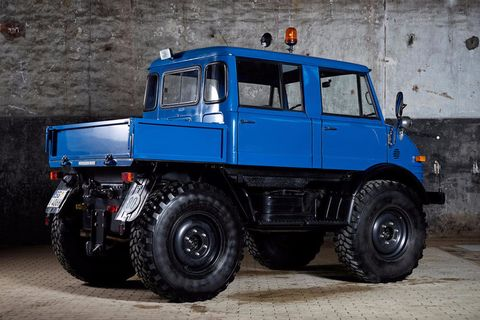 Only 353 of this style of Unimog was produced between 1974 and 1986.