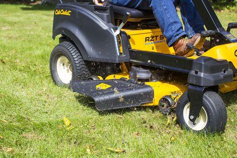 Tire, Wheel, Automotive tire, Grass, Automotive wheel system, Jeans, Rim, Fender, Tread, Auto part,