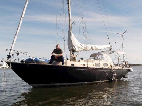 Sky, Water, Boat, Watercraft, Mast, Waterway, Elbow, Sailboat, Ship, Boating,